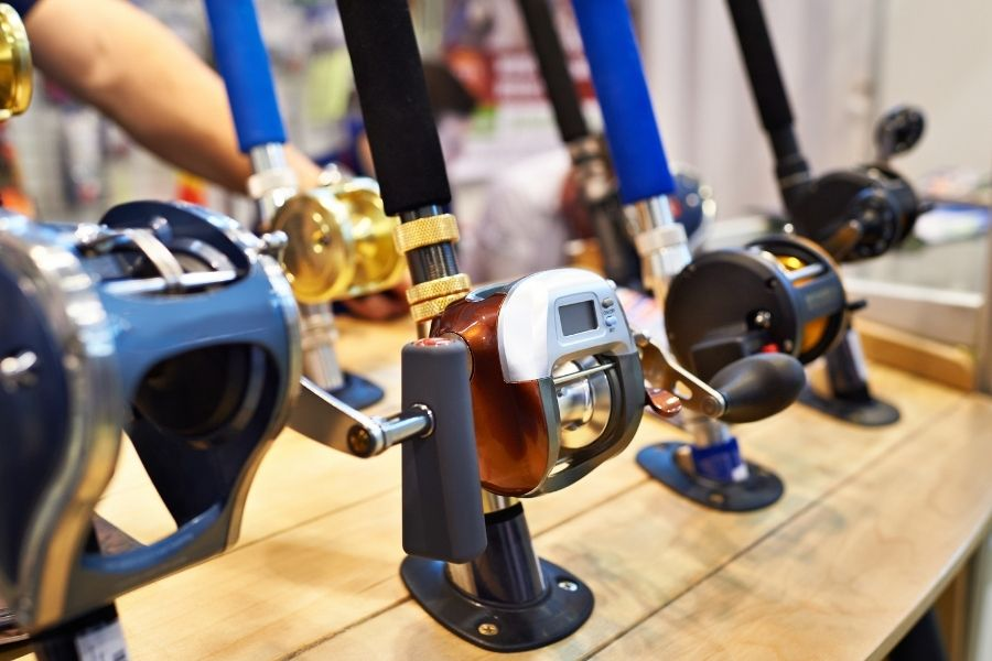 What is the Advantage of a Bait Casting Reel